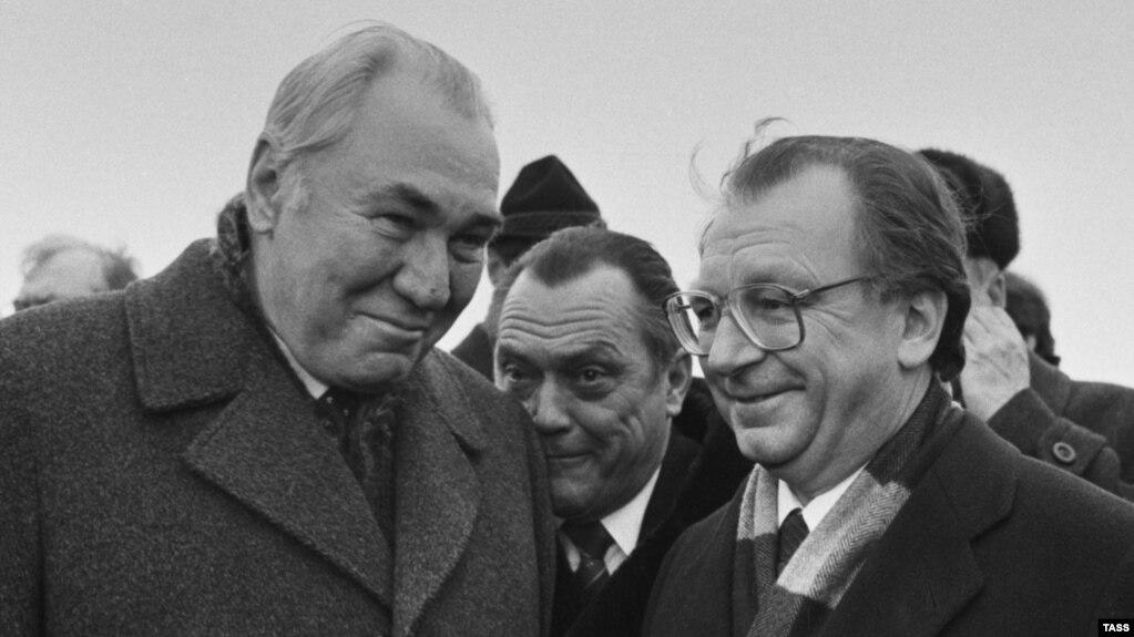Русия хөкүмәте рәисе урынбасары Фикрәт Табиев (с) һәм Баден-Вюртемберг хөкүмәте рәисе Лотар Шпэт. 10 февраль 1988