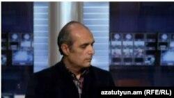 Լևոն Բարսեղյանը «Ազատության» ստուդիայում, արխիվ: