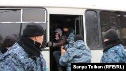 Задержания на проспекте Республики в Нур-Султане. 22 февраля 2020 года.
