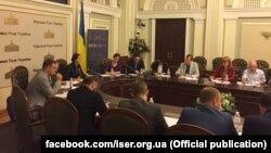 Експерти Інституту соціально-економічних досліджень презентують «Рекомендації з підготовки Стратегії зовнішньої політики України» у Верховній Раді, Київ, 23 червня 2017 року