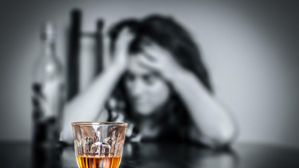 Власти Казахстана запретили сотням семей употреблять алкоголь. За нарушение – арест