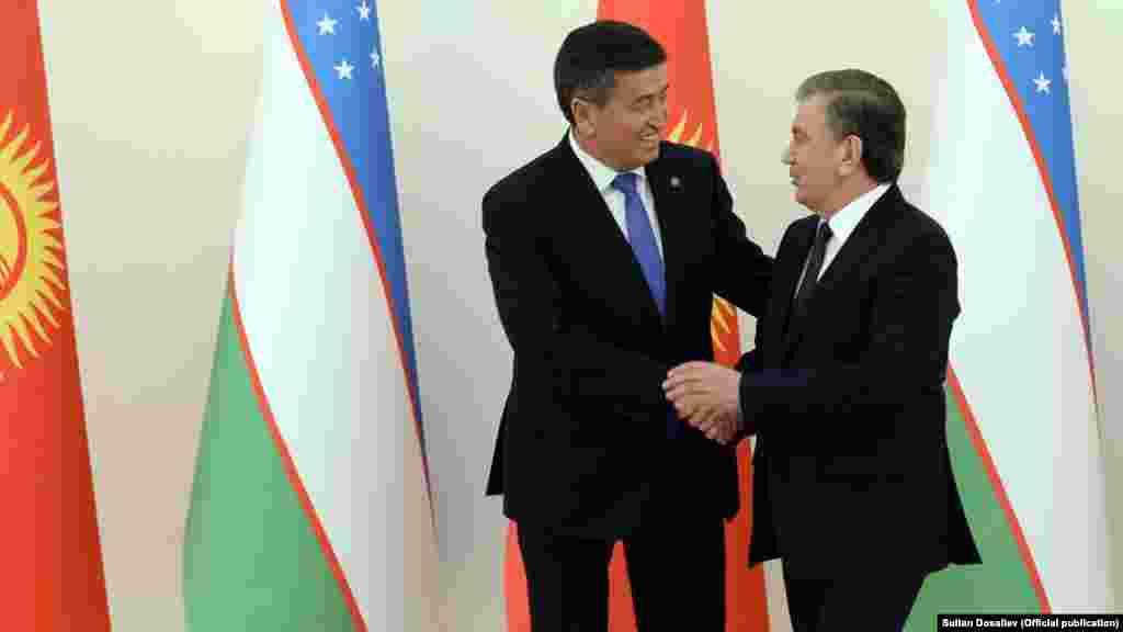 Өзбекстан президенті Шавкат Мирзияевпен кездесуде. Екі ел басшыларының кездесуі жылы шырайлы рәуіште өткен.