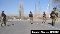 Кыргызско-таджикская граница. Архивная фотография, не имеющая отношения к данной новостной заметке.