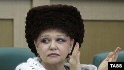 Россия Сенати аъзоси Валентина Петренко