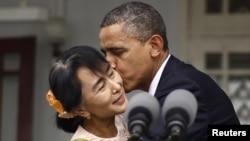 Барак Обама и Аун Сан Су Чжи. Янгон, 19 ноября 2012 года