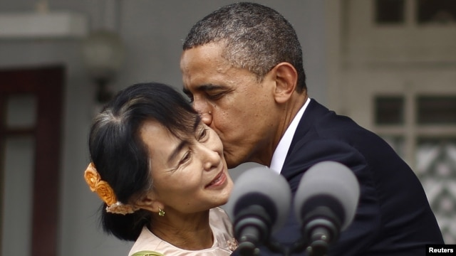 Opposition leader Aung San Suu Kyi meets with U.S. President Barack Obama in Rangoon.