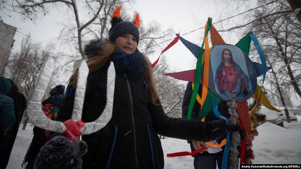 Дорогою діти співали українські пісні та веселилися