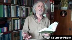 Russia -- writer Vitaly Dixon
