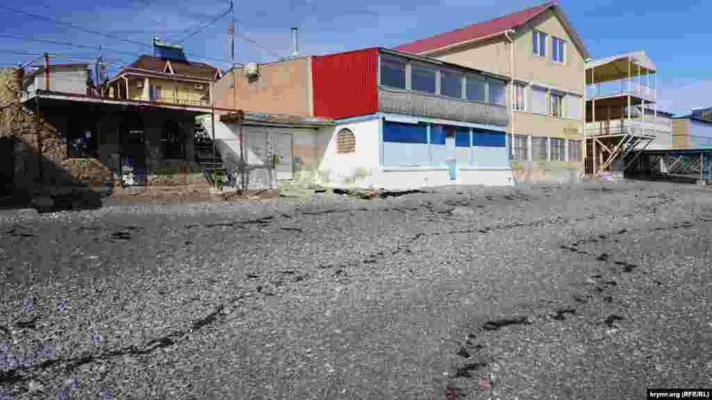 Хвилі доходили до стін капітальних будівель вздовж автодороги Алушта-Судак