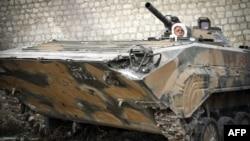 Боец Сирийской свободной армии Абу Фаез. Он - один из многих сирийских военнослужащих, перешедших на сторону повстанцев