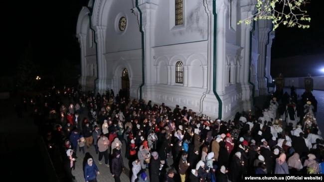 Святогірська лавра. Обхід храму в ніч на 19 квітня 2020 року