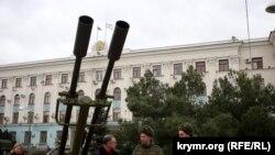 Російська військова техніка у Сімферополі (архівне фото)