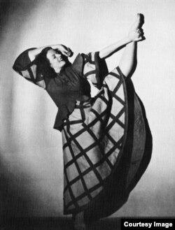 Iris Barbura, o exponentă a dansului expresionist...