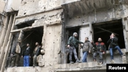 گروهی از مخالفان مسلح اسد در حمص
