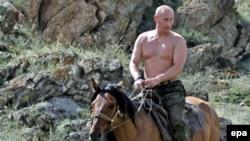 Vladimir Putin în vacanţă în Republica Tuva