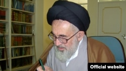محمدعلی دستغیب از منتقدان جدی به حاکمیت در جریان حوادث پس از انتخابات ریاست جمهوری سال ۱۳۸۸در ایران بوده است.