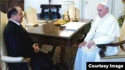 بابا الفاتيكان يستقبل رئيس إقليم كردستان مسعود بارزاني