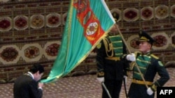 G.Berdimuhamedowyň prezidentlige kasam edişlik pursady. Aşgabat, 17-nji fewral, 2012.