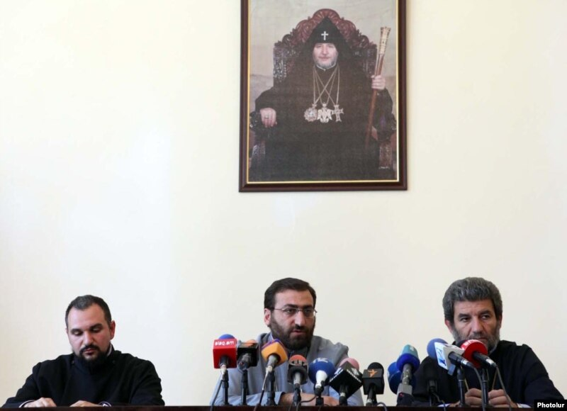 Armenia - High-level representatives of the Armenian Apostolic Church hold a news conference in Echmiadzin, 21Jun2011