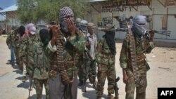 """Исламшыл """"Әл-Шаабаб"""" радикалдық тобының мүшелері, Сомали. (Көрнекі сурет)"""