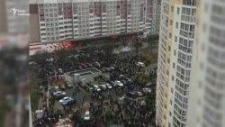 Світлошумові гранати та сльозогінний газ: у Мінську затримали майже 1200 людей – відео