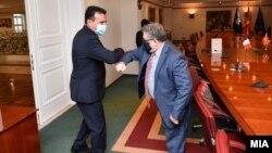 Премиерот Зоран Заев и амбасадорот Кристијан Тимоние на прошталната средба, 25 Септември 2020