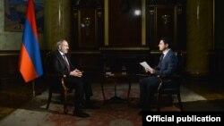 Никол Пашинян дает интервью корреспонденту ТАСС