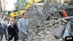 Утром на месте разрушения здания побывал президент Азербайджана Ильхам Алиев