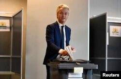 Герт Вілдерс голосує в Гаазі, 15 березня 2017 року