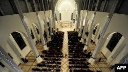 Božićna misa u katedrali Majke Tereze u Prištini