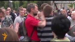 Проросійські активісти напали на журналістів Радіо Свобода в Харкові