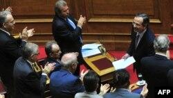 Андонис Самарас во грчкиот парламент