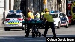 Իսպանիա - Հարձակման հետևանքով վիրավորվածներին օգնություն է ցուցաբերվում, Բարսելոնա, 17-ը օգոստոսի, 2017թ․