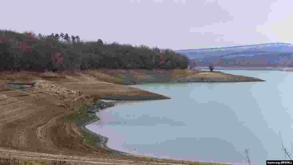 До 1966 року в чаші нинішнього Партизанського водосховища знаходилося кримськотатарське село Карагач
