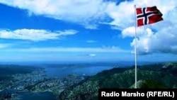 """Флаг """"самой счастливой страны"""" – Норвегии"""