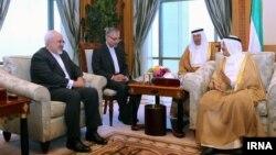 دیدار وزیر خارجه ایران با مقامات کویتی
