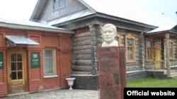 Татарстанның Чистай районы Яуширмә авылында Гаяз Исхакый музее
