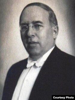 Садри Максуди (1878-1957)
