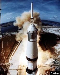 """Старт """"Аполлона-11"""" с космодрома во Флориде. 16 июля 1969 года"""