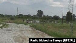 Новите гробишта во близина на Тетово.