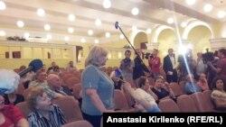 """""""Простые местные жители"""" - хором против Елены Ткач"""