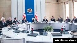 Новыми назначениями премьер Гарибашвили намерен усилить свои позиции в регионах в преддверии выборов в местные органы самоуправления, где «Нацдвижение» все еще остается в силе