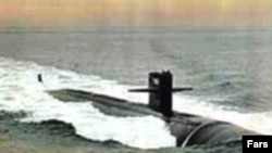 نمونه ای از زیر دریایی ایران در کلاس «غدیر» در آب های خلیج فارس.(عکس: فارس)