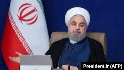 حسن روحانی میگوید ایران در «شرایط جنگ» است و «در این شرایط زخمی وجود دارد و زندگی مردم مشکل میشود».
