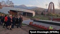 """Мемориальный комплекс """"Ата-Бейит"""" близ г.Бишкек. 08.11.2017."""