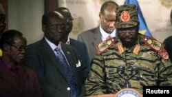 Президент Південного Судану (праворуч)