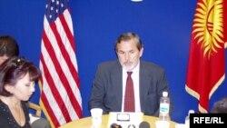 """На вопросы """"Азаттык"""" отвечает замглавы Американского Госдепартамента Р.Баучер"""
