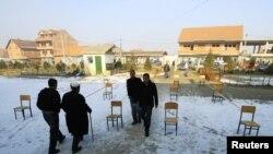 Vendvotim në fshatin Komoran, 9 janar 2010.
