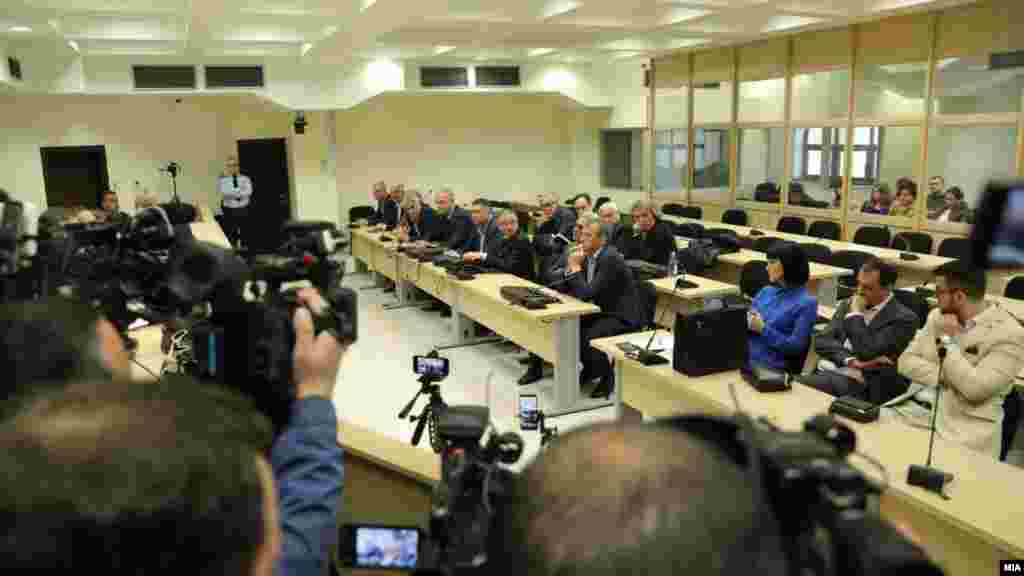 МАКЕДОНИЈА - На рочиште за случајот Титаник беше сослушан сведокот Ацо Стојанов кој донирал пари за политичката кампања на ВМРО-ДПМНЕ во 2011. Тој сведочеше дека донирал пари во повеќе наврати за ВМРО-ДПМНЕ, дека во партијата има благајник што ги прима донациите, а за донациите некогаш добивал каса прими, а некогаш не му давале.