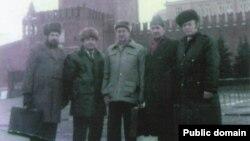 Члены Госкомиссии по проблемам крымскотатарского народа в Москве. 1990 год